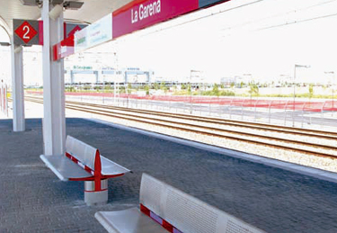 Renfe bench designed by Addison and Mormedi