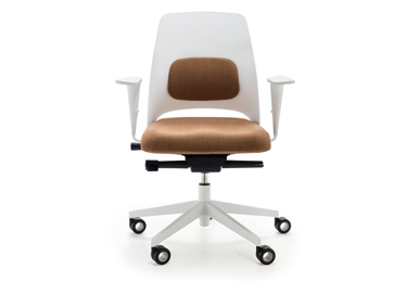 Arin office chair designed by Perry A. King y Santiago Miranda