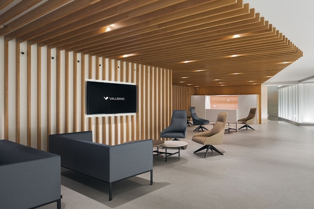 ALYA chairs by Lievore Altherr Molina and RAGLAN sofas by Piergiorgio Cazzaniga at the Vallbanc Offices in Andorra. Photo courtesy of Andreu World.