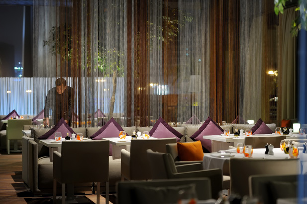 Roberto's Restaurant (DIFC, Dubai) by Draw Link Group