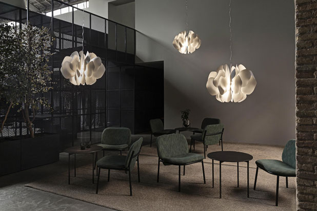 NIGHTBLOOM hanging lamp designed by Marcel Wanders for Lladró. Photo: Courtesy of Lladró