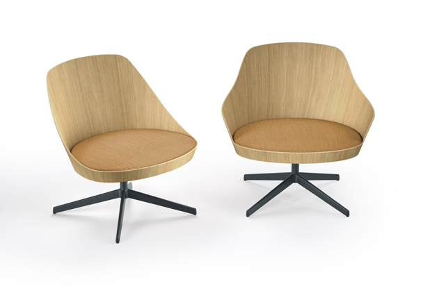 KAIAK LOUNGE chairs by estudio Manel Molina for Enea. Photo: Courtesy of Enea
