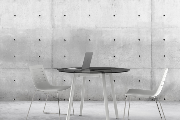 NOREN table by Carrasco Barceló for Vilagrasa by Resol Group. Photo: Courtesy of Vilagrasa