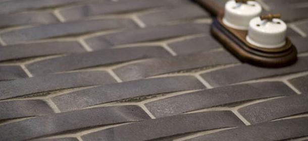 Reinventing ceramic tiles for Gres de breda para piscinas