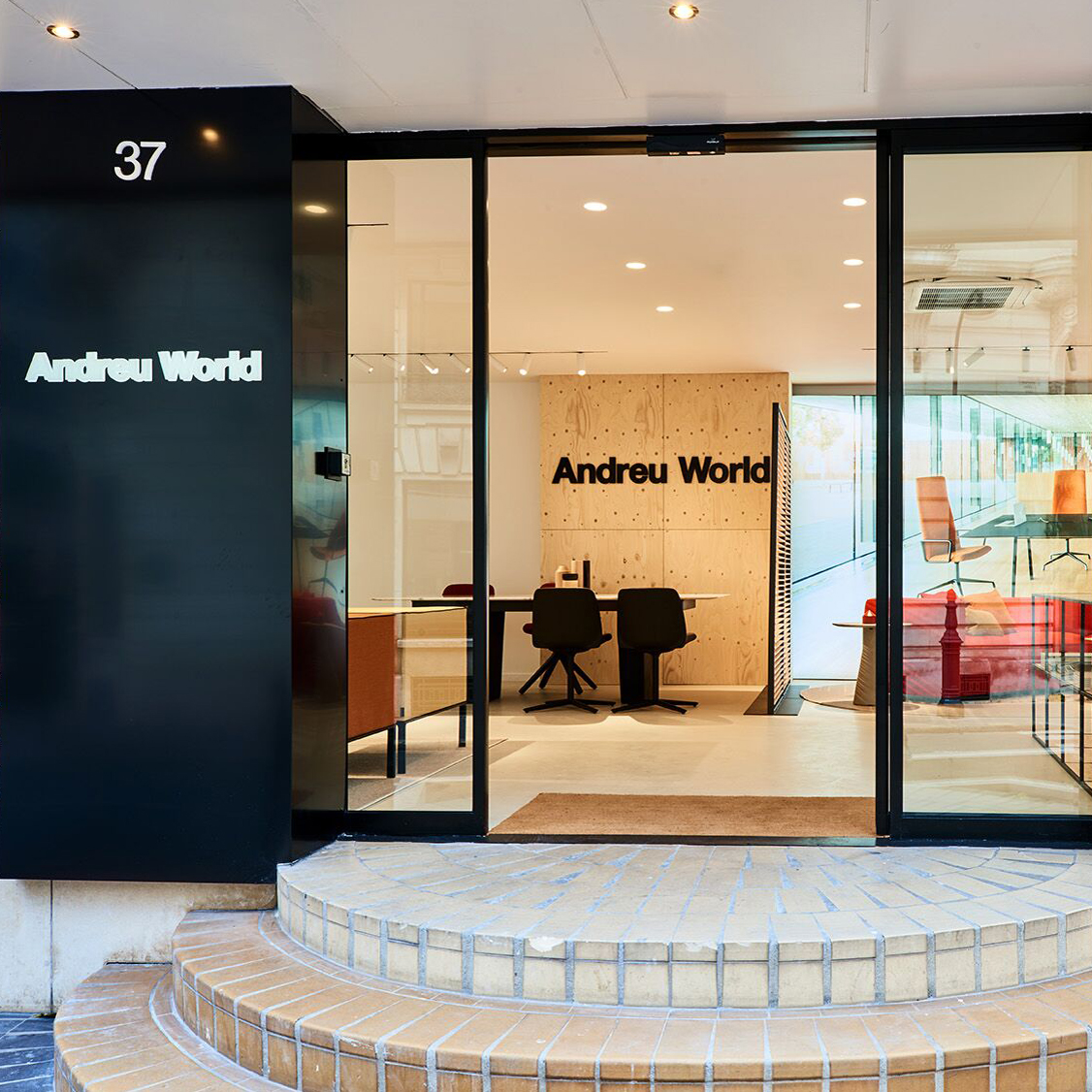 Andreu World´s showroom in Paris (France). Photo by Andreu World