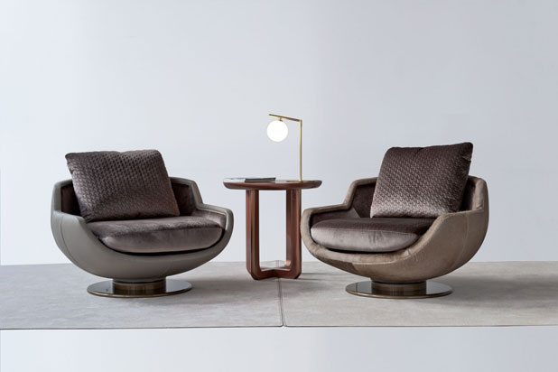 Armchairs, table and lamp. Fortune II collection