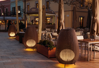 Amphora lamp designed in collaboration with Gonzalo Milà for Bover