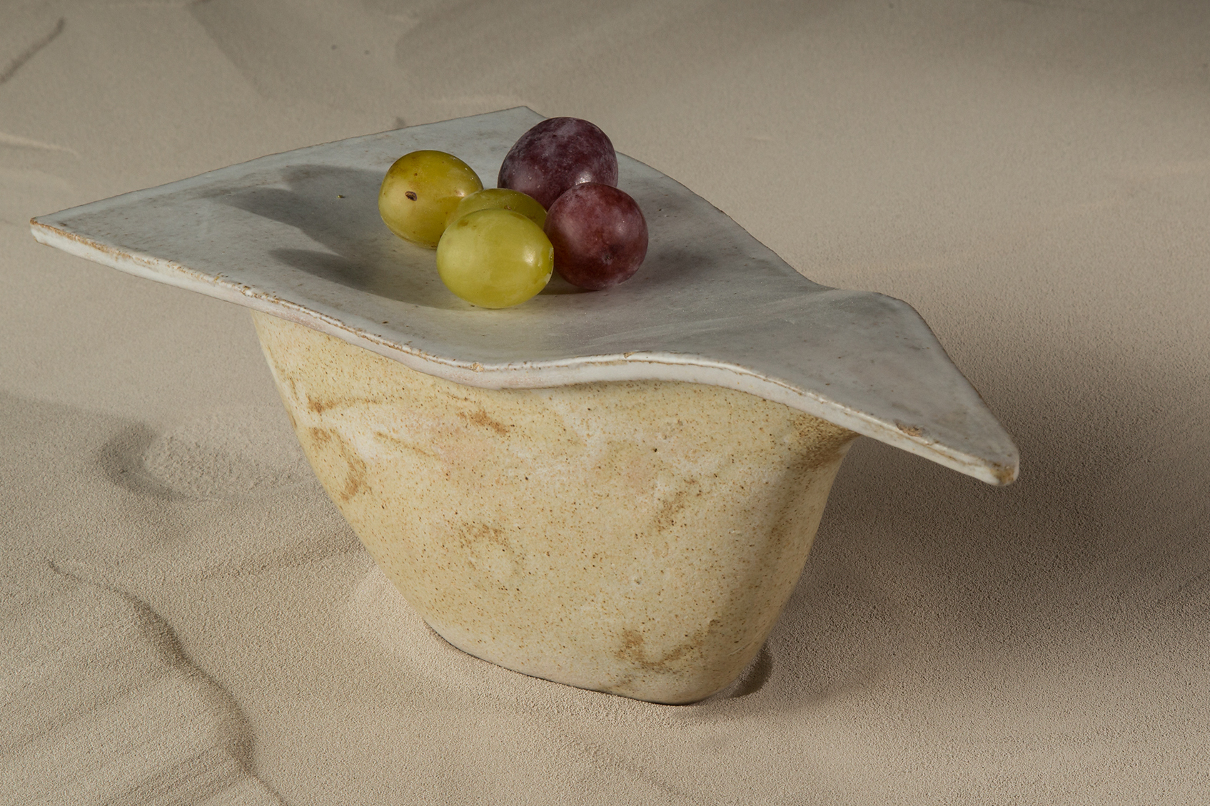 Tableware by Isabel Companys (Gastroceramic). Photo by Gastroceramic.
