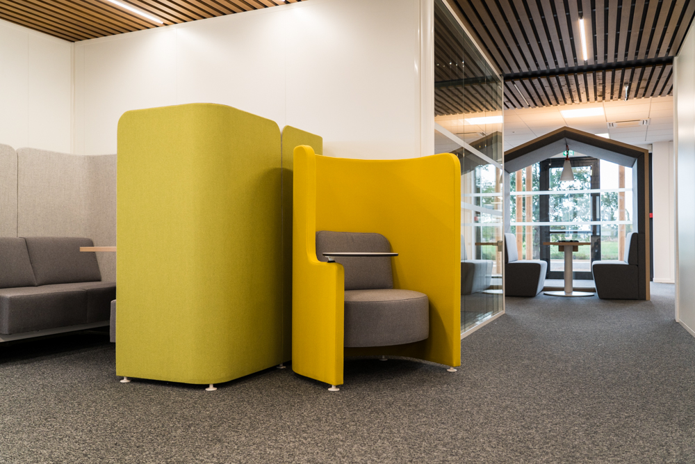 Office solutions by Forma 5 at the Crédit Agricole bank in Bergerac, France. Photo. Courtesy of Forma 5