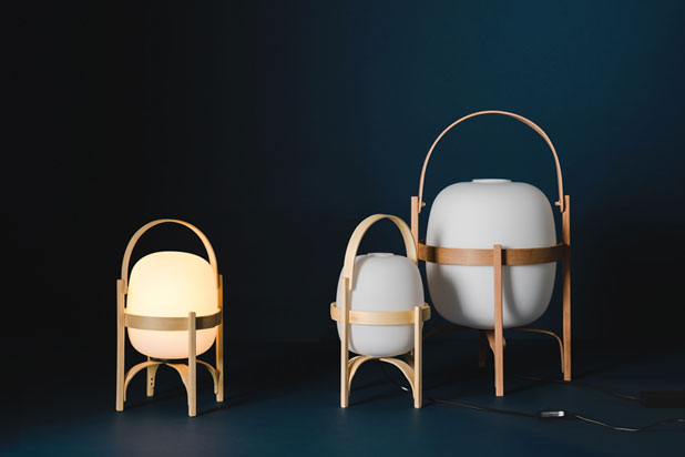 CESTITA BATERIA, a wireless adaptation of the iconic CESTA family by Miguel Milá for Santa&Cole. Photo Enric Badrinas